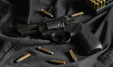 Revolver mit Munition